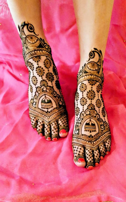 lotus-henna-on-leg